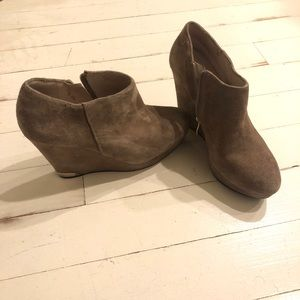 Vince camuto suede wedge booties